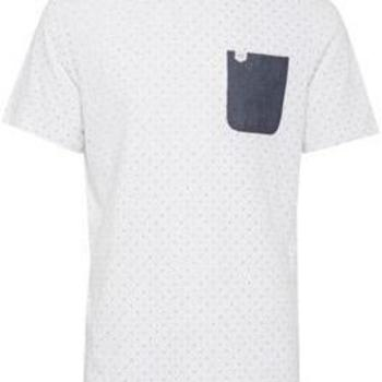 Wit t-shirt met zakje